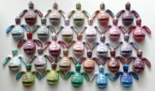 catalog-multicolor-sea-turtle-holder-trashart-gift-save-turtles-save-us-from-plastics-9